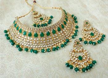 Lalso Gorgeous Green Bridal Kundan Choker Necklace Earring Maangtikka Jewelry Set - LKCN05_GR