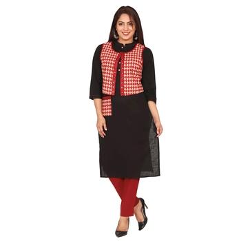 Women Black Solid Cotton Slub Kurta & Printed Koti