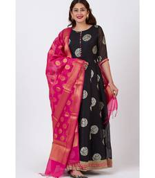 Black Jewel Foil Printed Floorlength Kurti with Pink Banarsi Dupatta