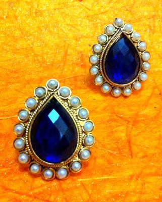 Deep Blue Pearl Ladies Traditional Studs Earrings
