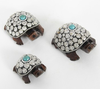 Handcraft Silver Coloured Turtle With Pearl Fine Work Statue For Home Decor
