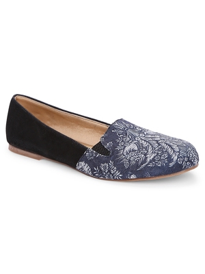 Women Ethnic Black Printed Moccasins Shoes