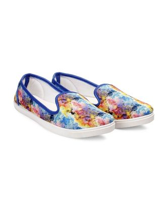 Women Multi Canvas Slip-On Sneakers