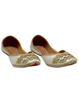 WHITE EMBROIDERY PARTY WEAR ETHNIC.JUTTI