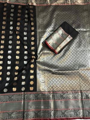 WOMEN'S DESIGNER BLACK BANARASI KANJIVARAM SAREE WITH DESIGNER BLOUSE