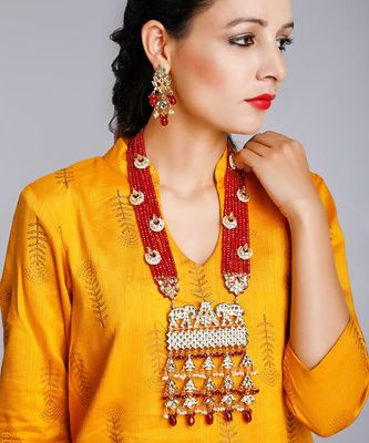 Long Kundan Neckpiece With Earrings