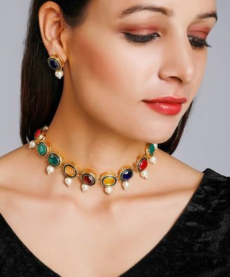 Multi Neckpiece With Earrings