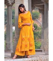 mustard hand print silk kurta sets