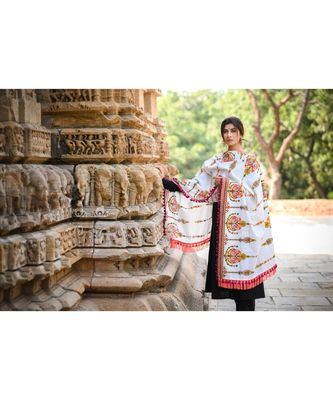 Off-White Heavily Aari Embroidered Khadi Shawl/Dupatta With Wine Cotton Tassel