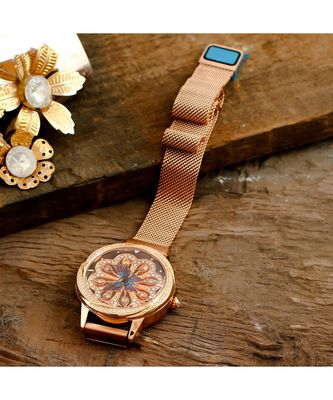 rose gold butterfly design gold dail  revolving adjustable magnetic belt watch