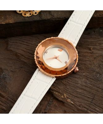 White Stylish Watch With Rose Gold Combination