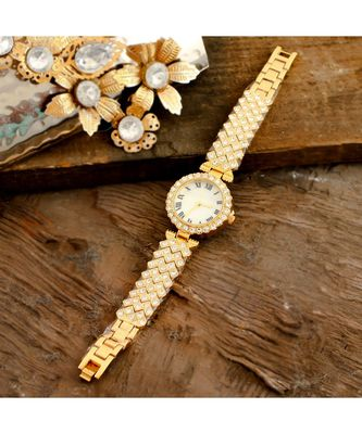 Golden  Smart Look Designer Full Of Diamond Party Watch
