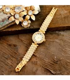 Golden  Smart Look Designer Full Of Diamond Party Watch