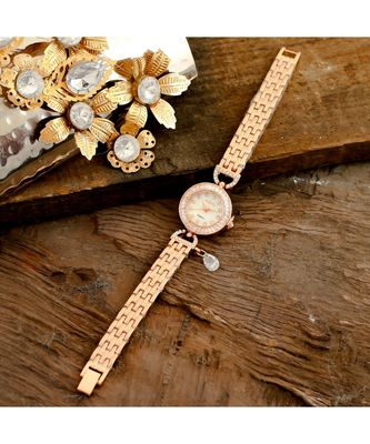 Rose Gold Beautiful Sweet N Simple Stylish Watch