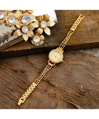Golden Smart Look Sweet N Simple Cute Elegant Watch