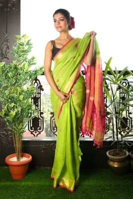 LIGHT GREEN PURE LINEN SAREE WITH PINK PALLU AND ZARI BORDER