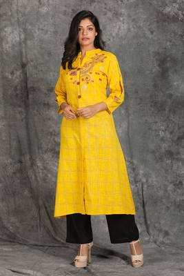 Chequered Yellow Kurti With Embroidery And Embroidered Button