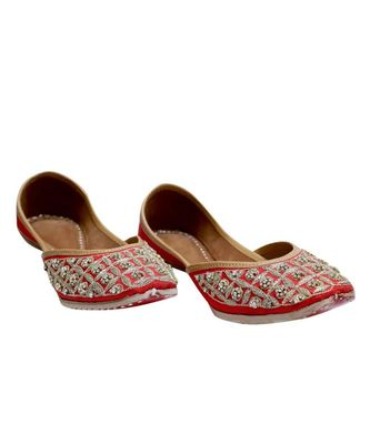 RED STONE WORK PARTY WEAR ETHNIC.JUTTI