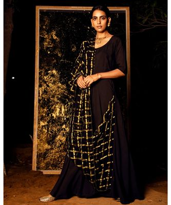 Gamyaa Black embroidered cotton silk kurta-sets