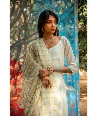 Vassini White embroidered cotton silk kurta-sets