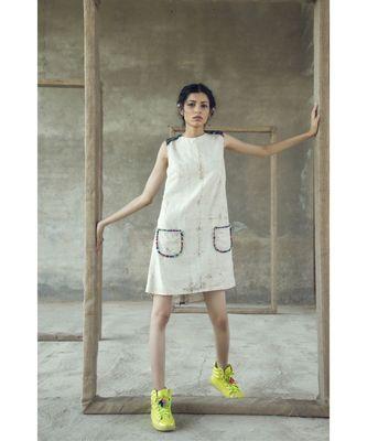 ICONIC SHIFT DRESS