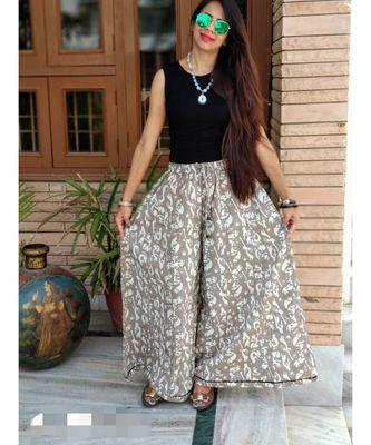 Grey Printed Cotton Women Ethnic Wear