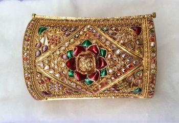 Broad Gold Plated Single Bracelet Kada
