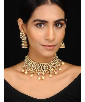Gold Tone Kundan and Pearl Necklace Set