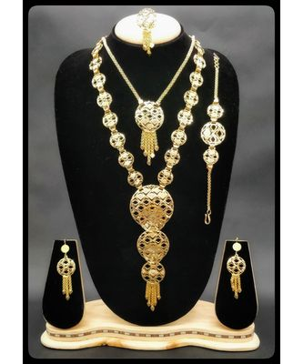 Gold necklace sets