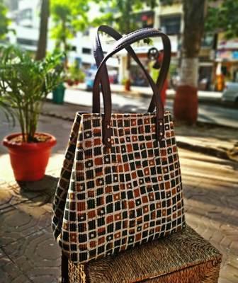 Brown Colored Checks Pattern Shoulder Bag