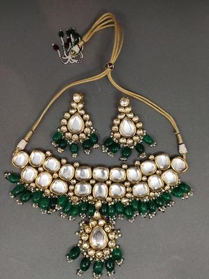 Green Gold Tone Uncut Polki Necklace Set