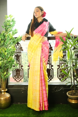 Yellow printed blended cotton saree with blouse
