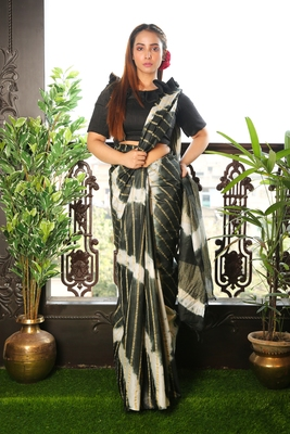 Black printed blended cotton saree with blouse