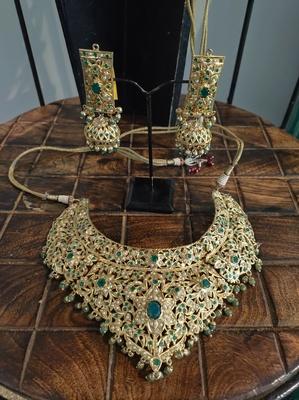 Green Gold Tone Jadau Necklace Set