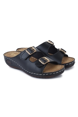 Beautiful Black color synthetic material flats for women