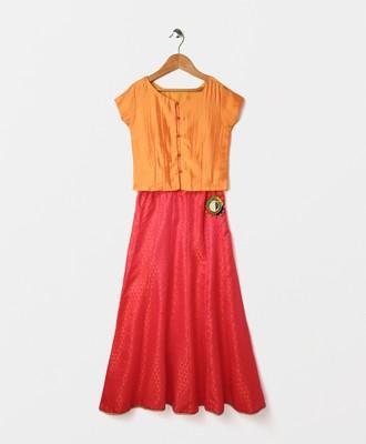 cape sleeves choli with printed silk lehnga