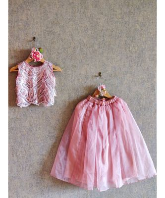 EMBROIDERED CROP TOP WITH SKIRT