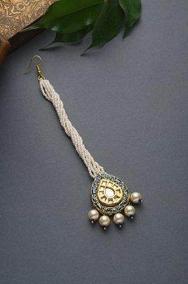 Chitra Meenakari and Pearls Mang Tikka