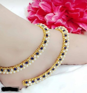 Blue diamond anklets