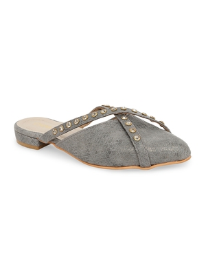 grey solid rubber sandals