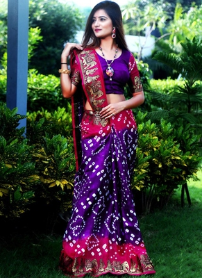 Purple Bandhani Hand Women Saree