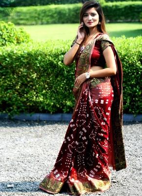 Blood Red Bandhani Hand Women Saree