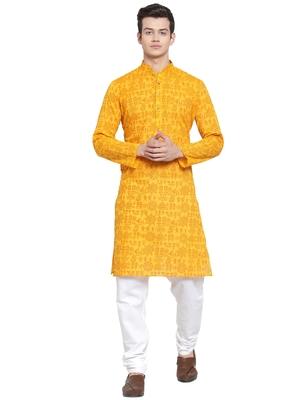 Yellow printed blended cotton kurta-pajama