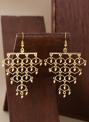 Jaali Pearl Grapevine Pattern Earrings
