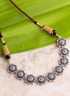 Abhira Looping Design Necklace
