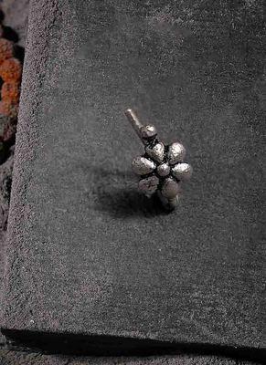 Moksh Ext Floral Nose Ring