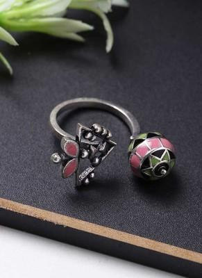 Adorned Spin Floral Motifs Ring