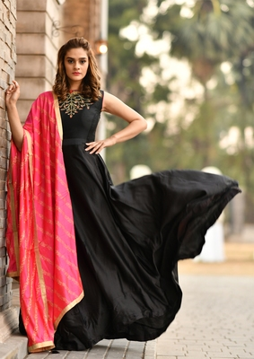 Black embroidered silk salwar