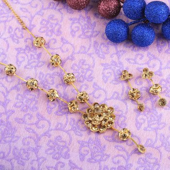 Goldplated Attractive Designer Partywear Diamond  Necklace for women jewellery
