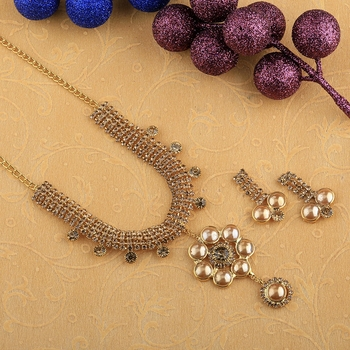 Goldplated Traditional Golden Diamond And pearl Necklace set  for women jewellery